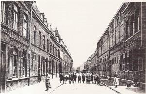 1908 : L'école de filles rue Bernard (actuellement rue Gabrielle Bouveur) - Collège Dominique SAVIO