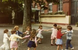Collège Dominique SAVIO - Dans la cour de l'école du Sacré-Cœur