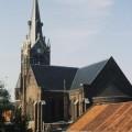 Collège Dominique SAVIO - Eglise Saint-Sépulcre vue depuis une classe du collège. Au premier plan d'autres classes