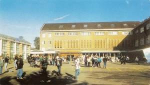 La cour du collège en 2003 - Collège Dominique SAVIO